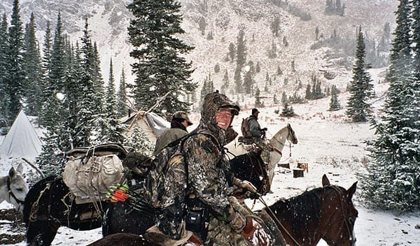 elk hunt on horses